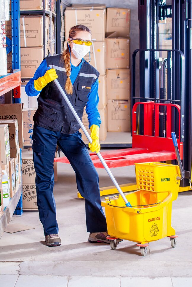 2 Reasons You Should Get Commercial Cleaning Work