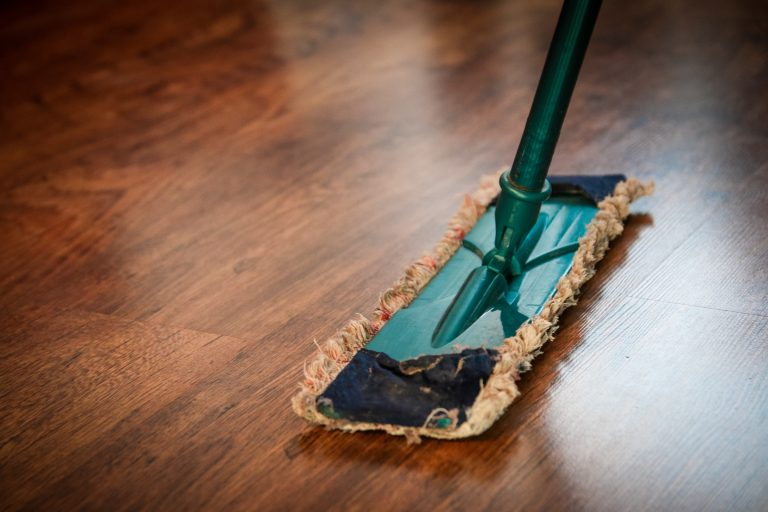Read more about the article Normal vs. Bond Cleaning: What's the Difference?